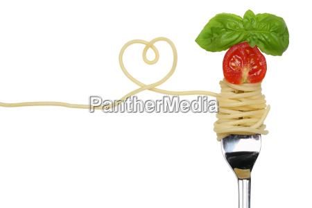 spaghetti pasta pasta dish with heart