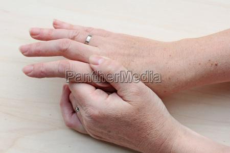 the aching hand