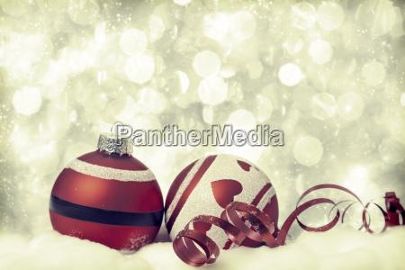 weihnachten hintergrund mit roten verzierungen