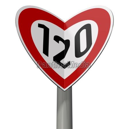 verkehrsschild tempo 120 bildet herzchen