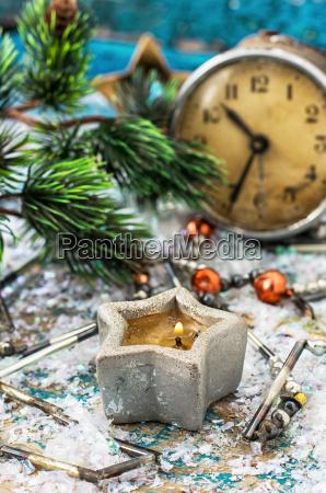 postkarte, mit, altmodischen, uhr, und, weihnachten - 13107086