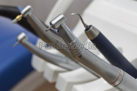 rotierende zahnaerztliche instrumente bohrer