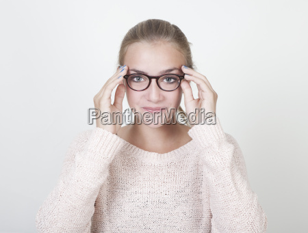 girl with round glasses