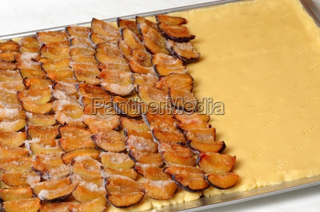 pflaumenkuchen plum cake
