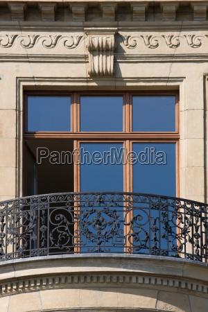balkon alt altbau schmiedekunst handwerk eisen