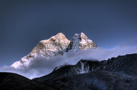 ama dablam solo khumbu himalaja nepal