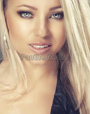 blonde maedchen potrait