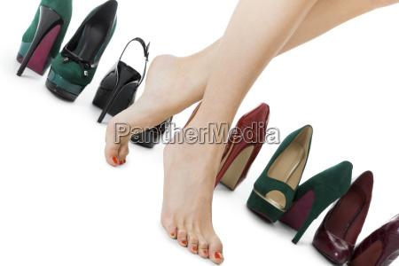 verschiedene paare high heels stilettos als