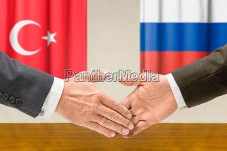 vertreter der tuerkei und russlands reichen
