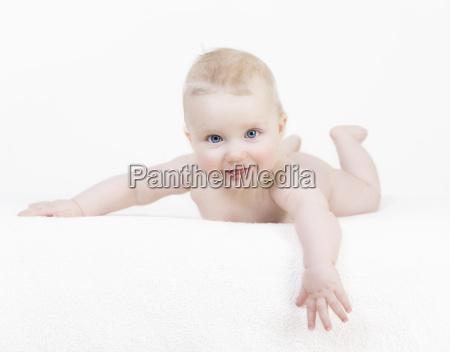 baby nogen i hvid baggrund