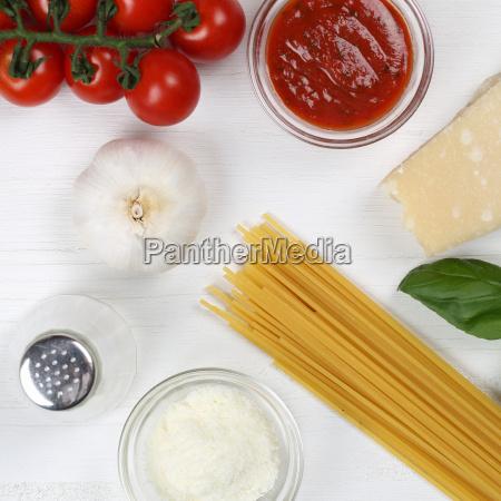 cook spaghetti noodles pasta dish
