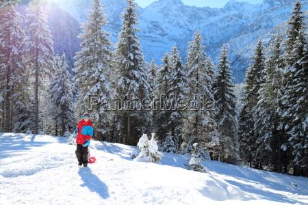 schlittenfahren in den alpen