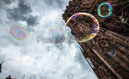 soap bubbles at the cathedral