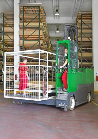 industrie nutzholz depot lagerhaus lagerung einlagerung