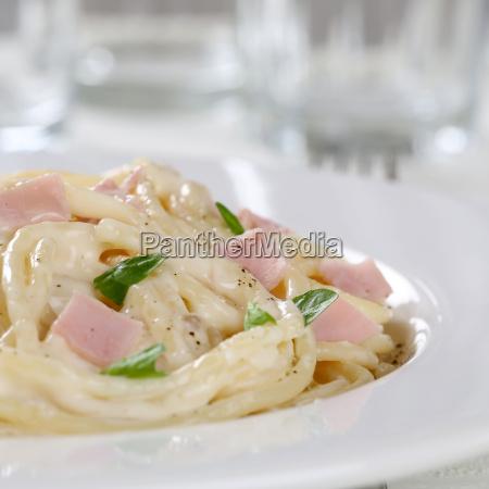 italian spaghetti carbonara pasta pasta with