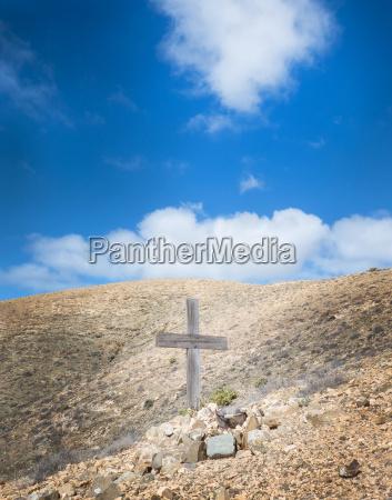 kreuz in den bergen von fuerteventura