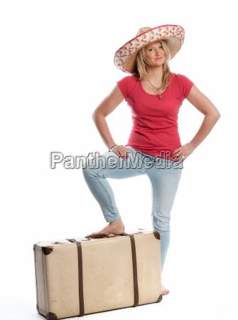 frau, mit, sombrero, steht, mit, ihrem - 13531526