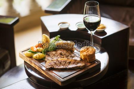restaurante vidrio vaso comida presentacion vino