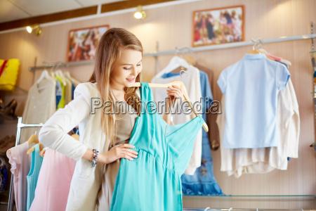 shopaholic mit kleid
