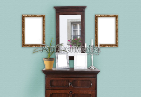 wall with picture frame mint