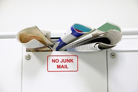 overloaded mailbox