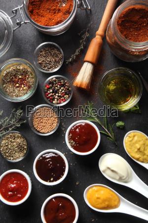 verschiedene samen typ gewuerze und saucen