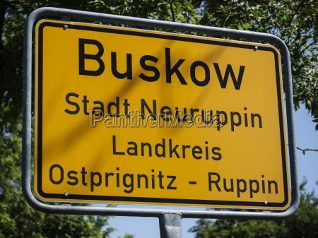 buskow ortseingangsschild