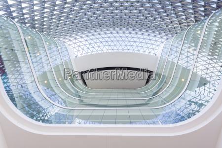blick von der lobby eines modernen