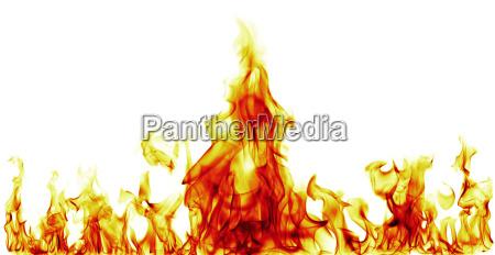 feuerflammen auf schwarzem hintergrund