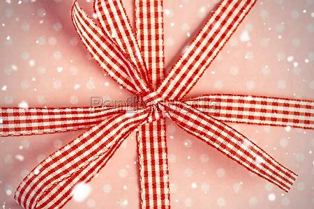 presentare femminile regalo legato scatola scatolame