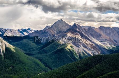 szenische ansicht der rocky mountains bereichalbertakanada