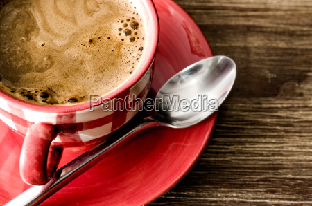 detail der kaffee in roten cup