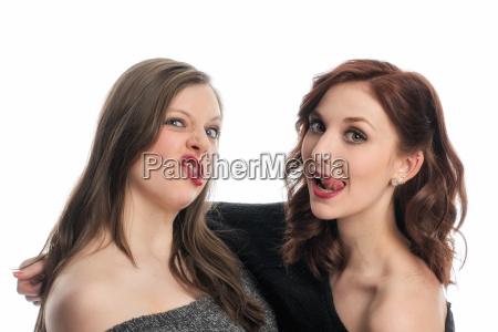 two girlfriends drag schnuten