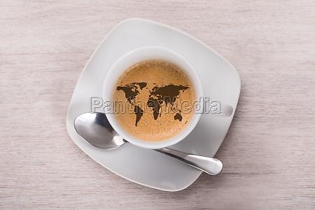 kaffee mit weltkarte