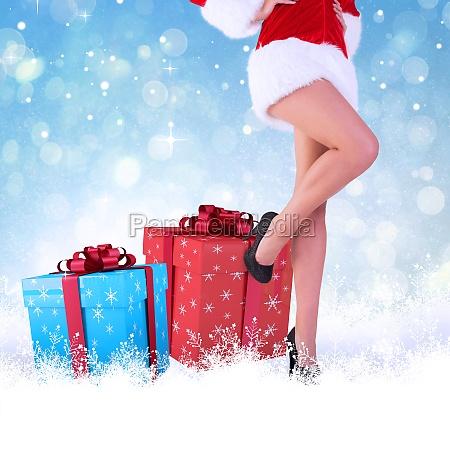 composite bild von festlichen womans beine