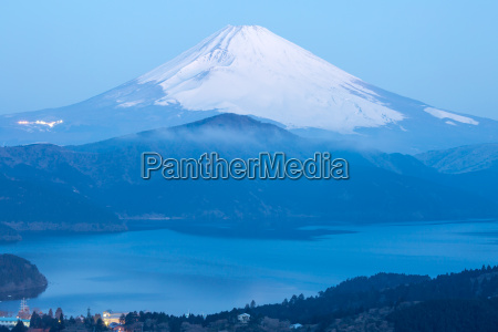 sonnenaufgang daemmern morgendaemmerung japan suesswasser see