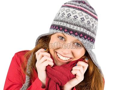tragender mantel und hut der kalten