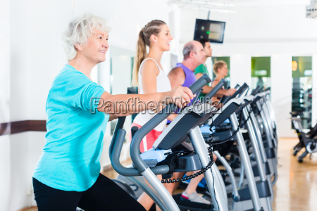 group on elliptical machine makes sports