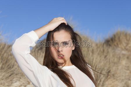 maedchen am strand