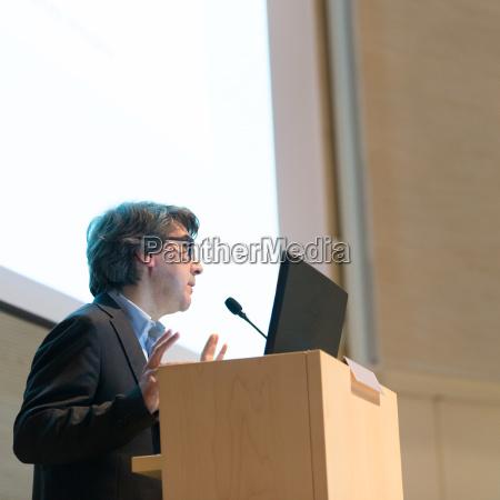 lautsprecher geben auf business conference vortrag