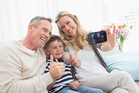 froehliche familie selbst bilder mit einem