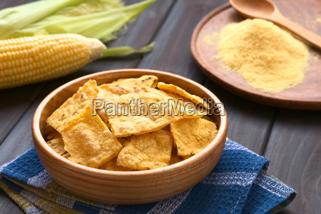 homemade baked corn chips