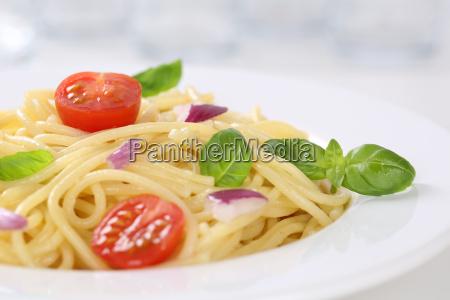 spaghetti with tomato noodles pasta on