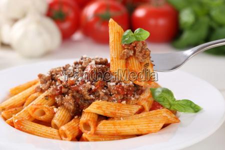 pasta bolognese or bolognaise sauce eating