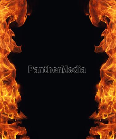 brennendes feuer flamme rahmen auf schwarzem