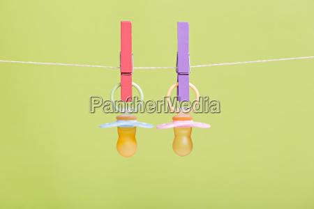 chupetes de bebe colorido para ninyos