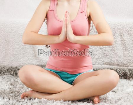 frau meditation harmonie yoga joga eintracht