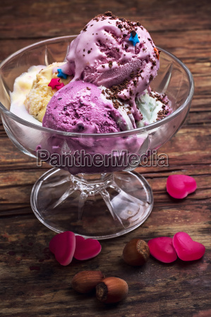 ice cream in bowl and