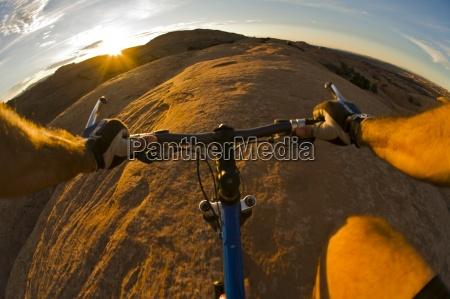 mountainbiken in moab utah