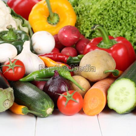 gemuese wie tomaten paprika salat pilze